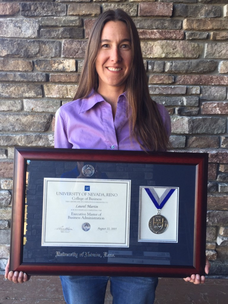 Laurel with Diploma (1)